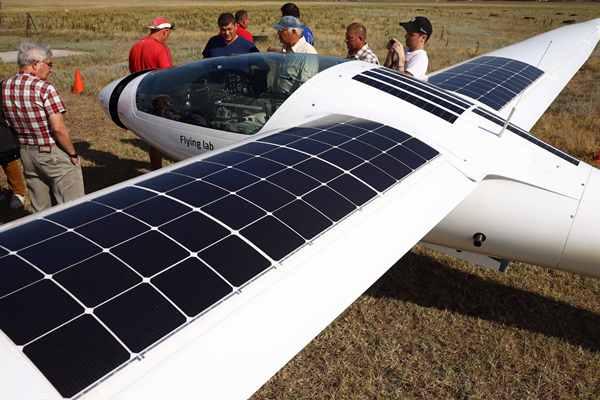 從莫斯科到克里米亞 俄一太陽能電池飛機完成首飛