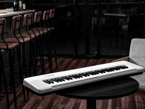 TheONE智能电子琴Air发布:2个按钮 重量仅有3.8kg