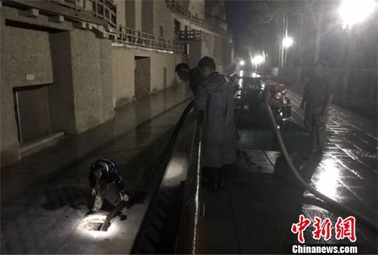 敦煌莫高窟8日恢复开放 洞窟文物24小时严格监测