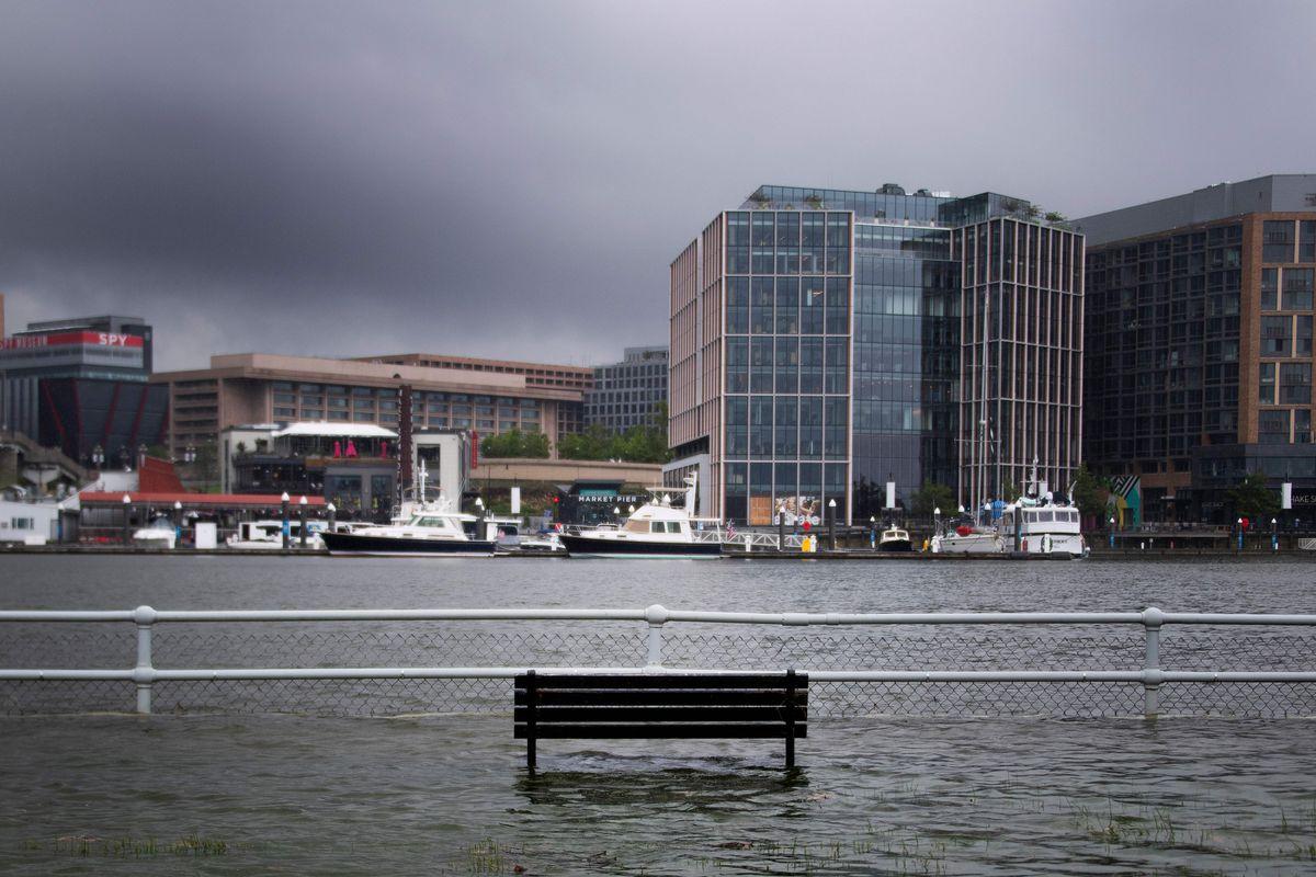 华盛顿水灾共享单车遭殃 运营商呼吁更耐用产品