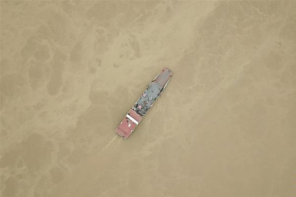湖南长沙:转移被困群众