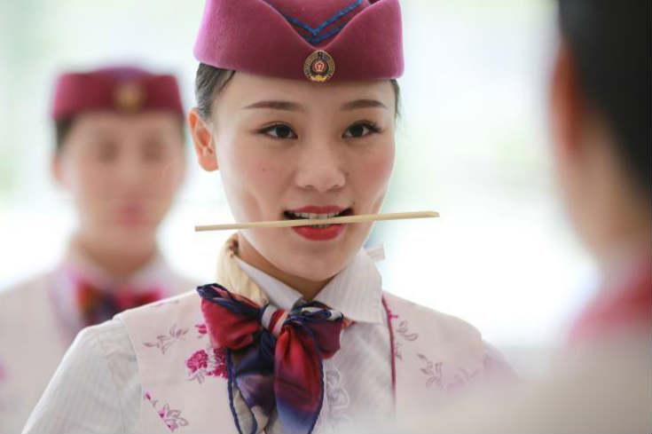 """重庆""""动姐""""礼仪培训备战铁路调图"""