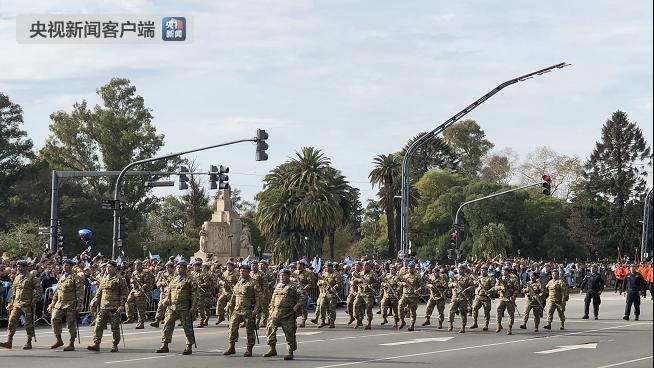 阿根廷举办独立日阅兵