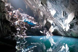 英国一神秘洞穴惊?#36136;?#30334;辆?#27801;?#27531;骸