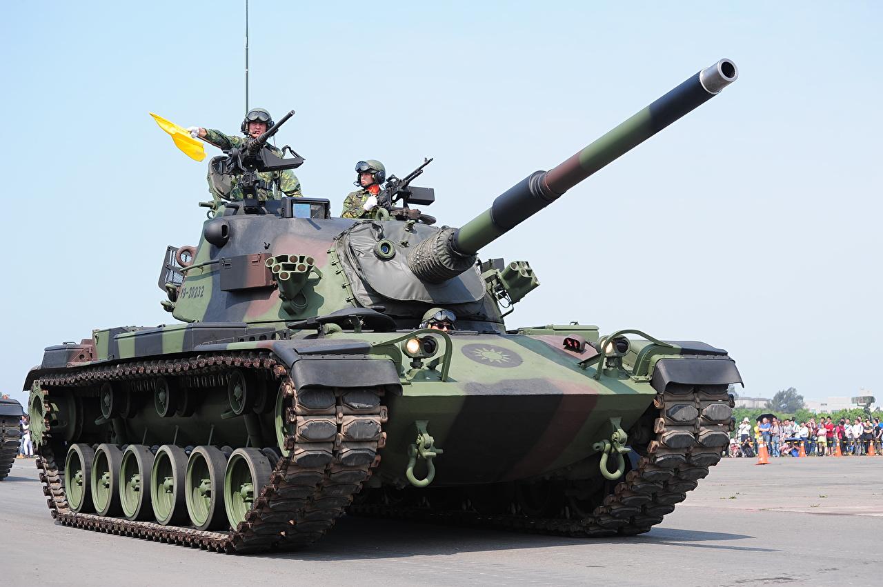 """台湾现役坦克被美当""""废物利用"""" 扔海里当礁石"""