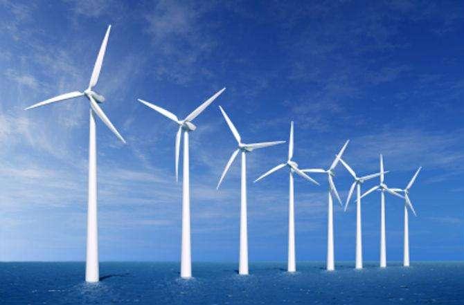 """装机容量稳居世界第一 风光产业持续""""风光"""""""