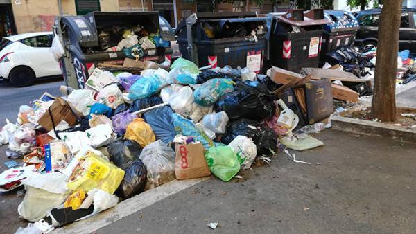 填写高考自愿技巧(鬼话鹤壁)大型废物处理场封闭后:罗马街头废物遍地,医师忧虑疾病传达