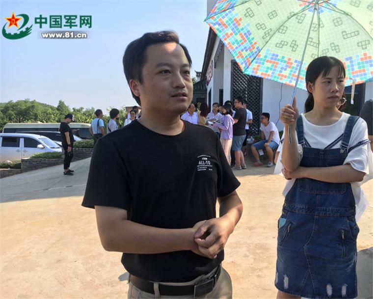 安徽庐江乐华村:靛青蓝莓高高挂,美了乡村,富了农家