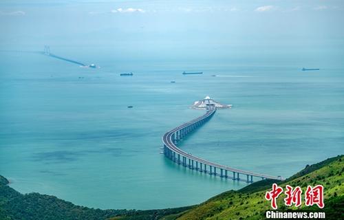 今年前五月港珠澳大桥旅客突破千万人次 车流近70万