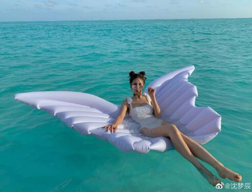 沈梦辰沙滩装身材超好!