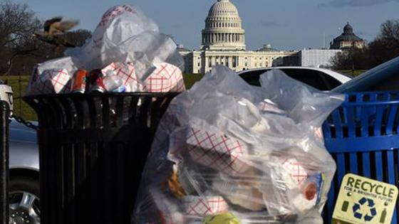 英媒:中国拒洋垃圾后 美国已自食其果