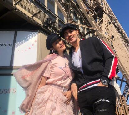 张伦硕钟丽缇带家人游逛巴黎 女儿们乐的飞起