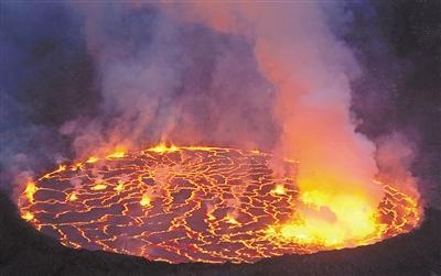 非常罕见 世界第八个永久火山熔岩湖被发现