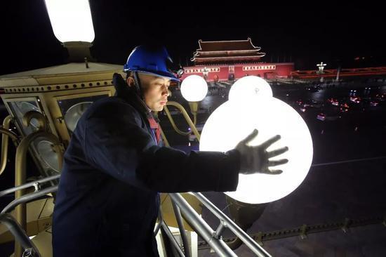 春节照明保障不停歇。