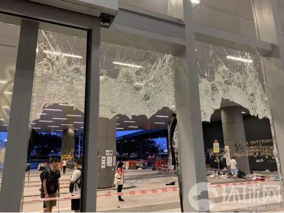 """""""为什么要破坏香港人生活!?""""刷屏视频主角香港立法会财委会主席受访吐心声"""