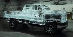 用6吨冰打造冰雕汽车,开出去你就是路上最靓的仔!