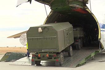 俄罗斯首批S400防空导弹抵达土耳其现场曝光