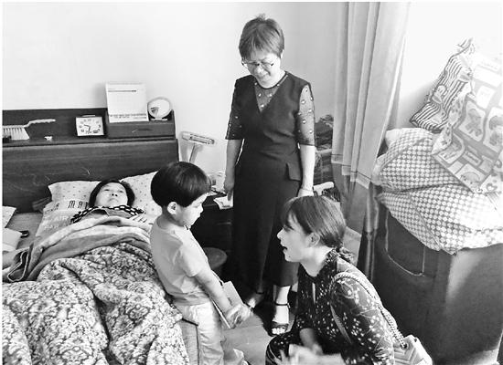 cfwgw(lolreplay怎样用)6岁女孩浑身淤青疑似受虐   75岁奶奶收到家暴劝诫书