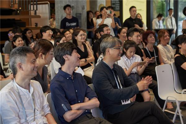 探索AI时代,Hyundai Blue Prize 2018获奖展《撒谎的索菲亚和嘲讽的艾莉克莎》开展