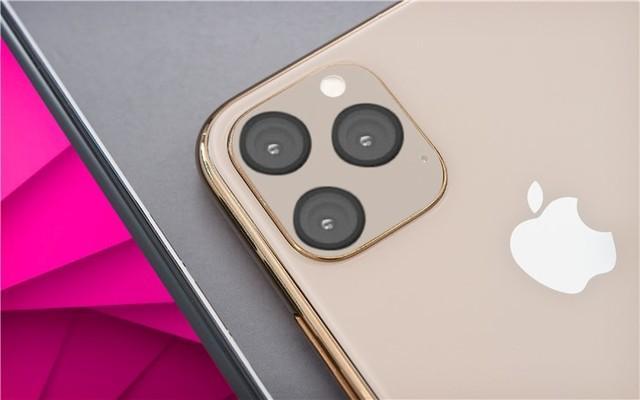 齐齐哈尔高等师范专科学校(陪客松的材料)iPhone 11 Max相机部分照曝光