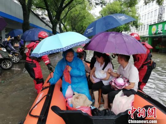 金太狼的幸福生活结局(哈摩tv5)广西大范围暴雨 24条河流现超警洪水7万余人受灾