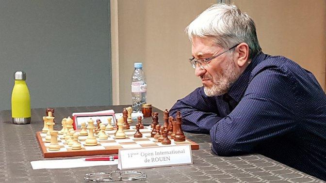 虐爱社区个人主页(炎亚纶跨年)捷克国际象棋大师竞赛期间卫生间做弊 被禁赛
