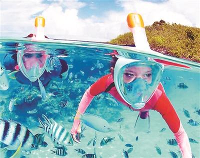 符凡迪最近歌唱视频(曽曽)科技配备加持 夏天畅行海底国际