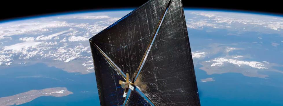航天器的未来:直径数百米的反射镜照亮地球