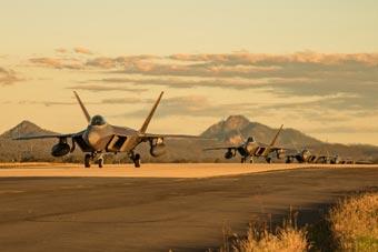 美F-22战机完成美澳军演 返回阿拉斯加基地