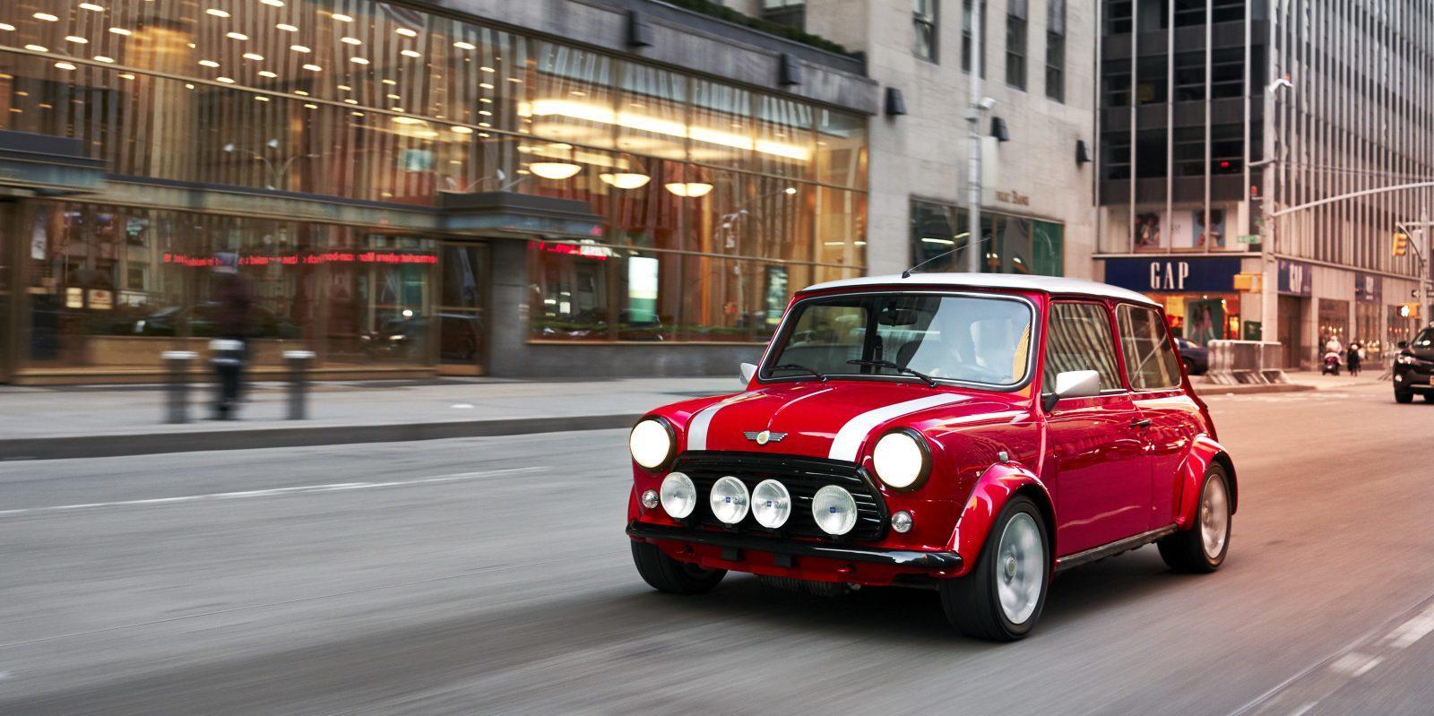 宝马英国工厂年底投产新款MINI电动汽车