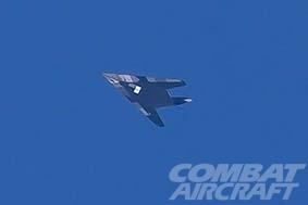 美F-117隐形战机现身死亡谷 机身神秘涂装引猜测