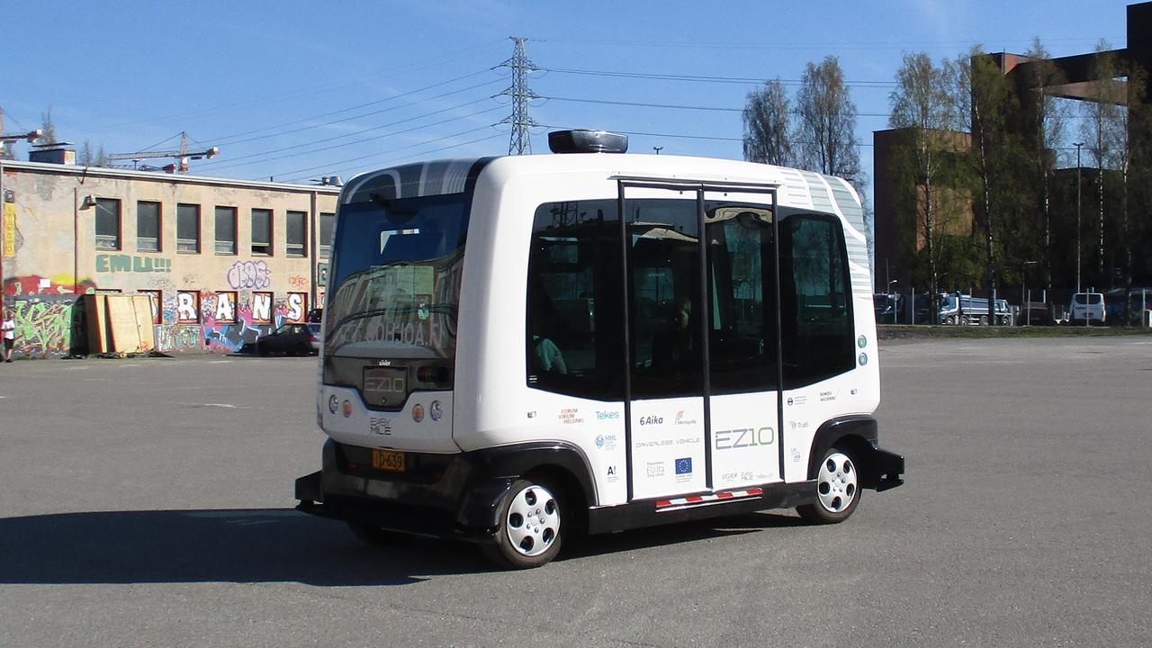 自动驾驶巴士在加拿大蒙特利尔市投入试运营