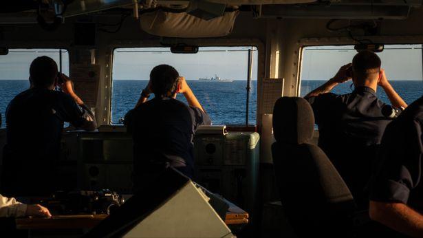 中国海军神盾舰通过英吉利海峡 英军舰跟踪监视