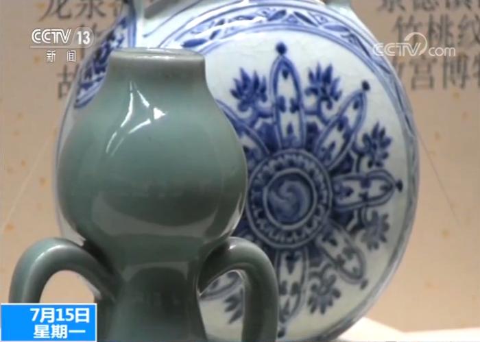 monisa-za(塔克林刷什么)龙泉青瓷特展故宫启幕 800多件宋元明尖端瓷器露脸