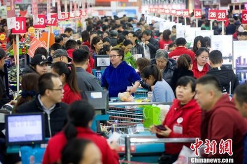 于慧老公(咱们约会吧覃霓)统计局:上半年国人吃喝超2万亿元 消费增速加速