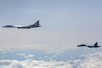 芬兰空军胆肥:监视苏35护航图160战略轰炸机