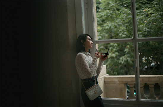 爱的被告国语版安徽(傲慢奸细苏七少)宋茜现身巴黎 高雅是非造型诠释古典画报风