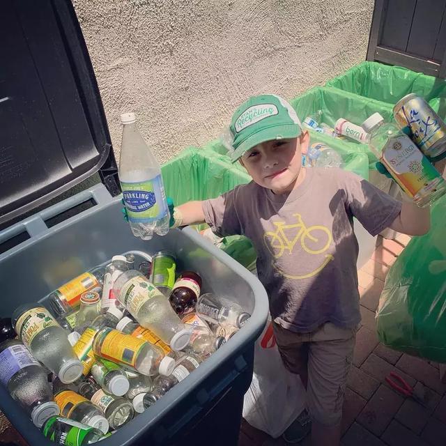"""黄河之水天上来配乐(地暖管英国克罗顿维尔)7岁当CEO!美国小男孩靠废物分类走上""""人生巅峰"""""""