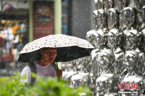 西南地区东部等地有较强降雨 江南华南等地有高温天气