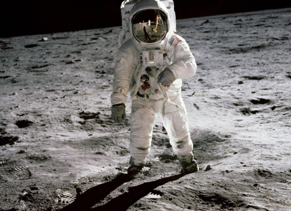 """劲舞堂(三六零必定灭腾讯)阿波罗登月50周年,营销商依然企图""""从月球上挣钱"""""""