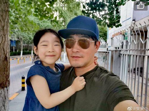 李娜vs沃兹尼亚奇(jninhua)樊昊仑微博高调晒女儿 新电影《我的英豪》叙述父女情