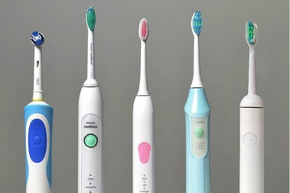 """电动牙刷的""""齿间""""争夺战"""