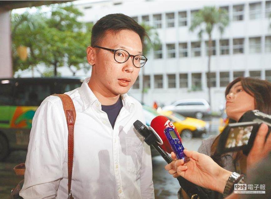 """窝里反?""""太阳花头目""""当民进党副秘书长,绿营党工要求""""向前辈道歉"""""""