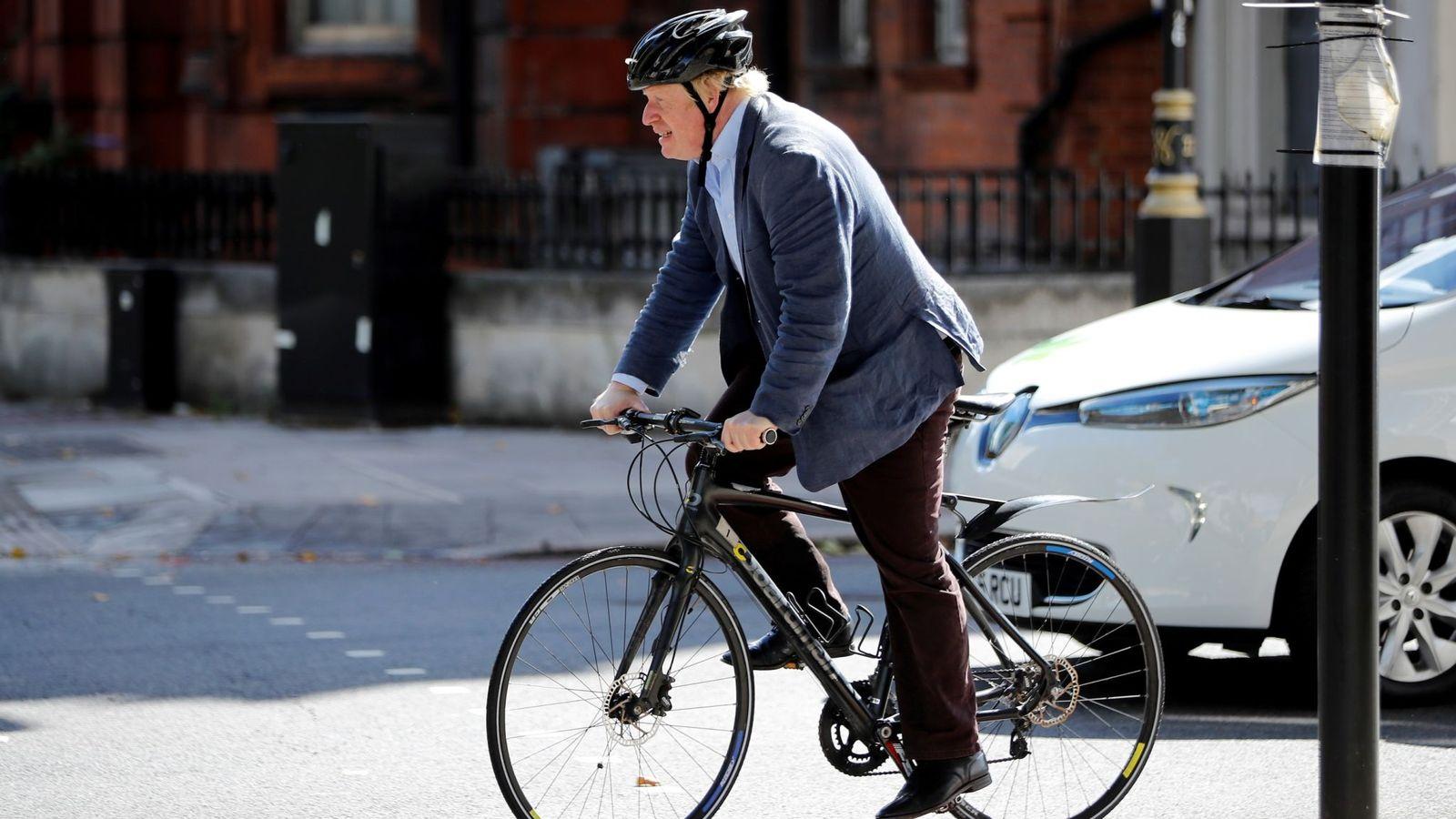 英前外交大臣自曝:上次哭还是骑了8年的车被偷时