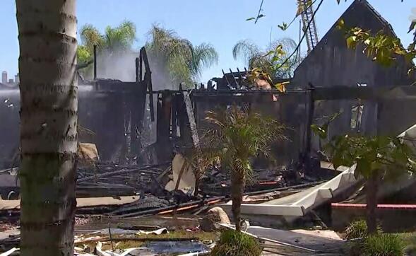 美国加利福尼亚州发生天然气爆炸 致1死15伤