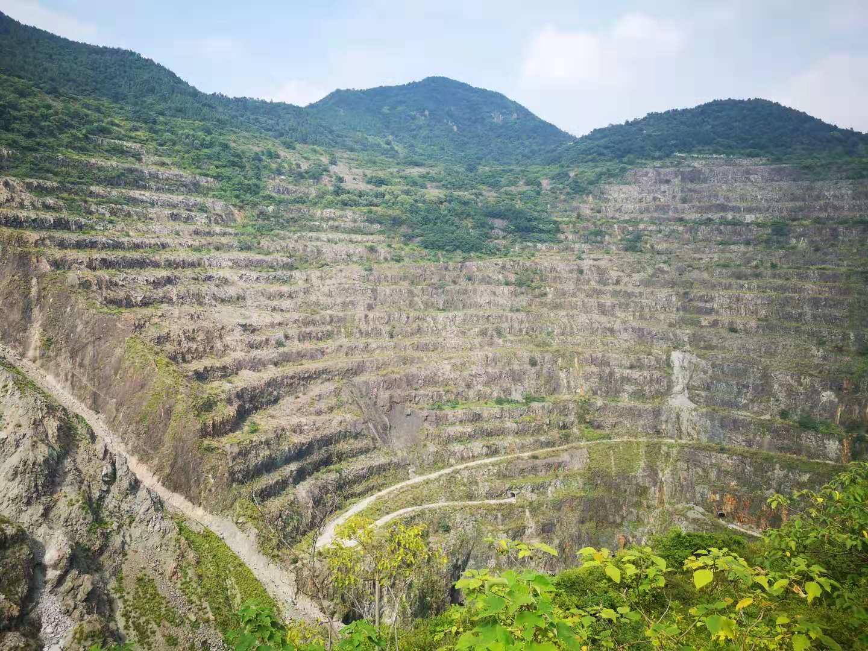 """从""""亚洲第一天坑""""到国家4A景区:黄石国家矿山公园的生态转型之路"""