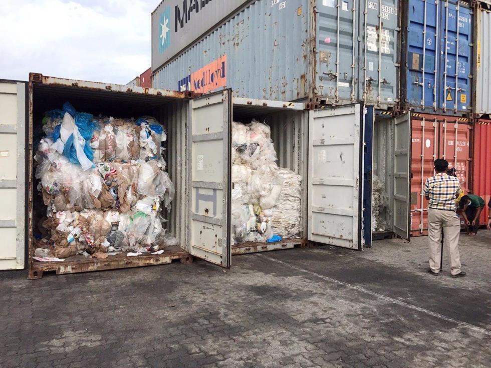 柬埔寨查获1600吨进口垃圾 官方:退回美国加拿大