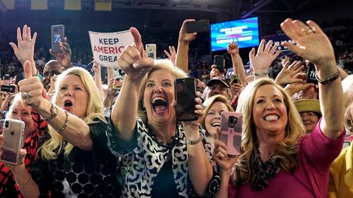 摩杰代理:特朗普竞选集会再批女议员 奥马尔回击:我仍将奋起