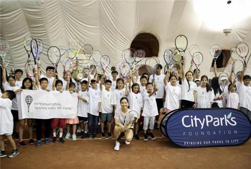 李娜即将进入国际网球名人堂 退役后致力青少年培养