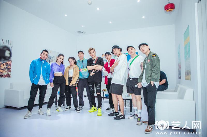 音乐全能少年Sunny Lukas 国内首秀 《三字经》中国风受好评